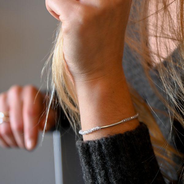 Bracelet arc gris perle argent