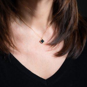 Collier trèfle agate noire
