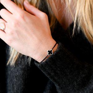Bracelet cordon mini trèfle agate noire