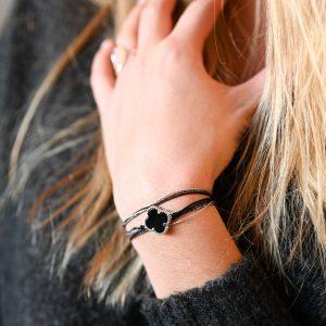 Bracelet multi tours trèfle agate noire