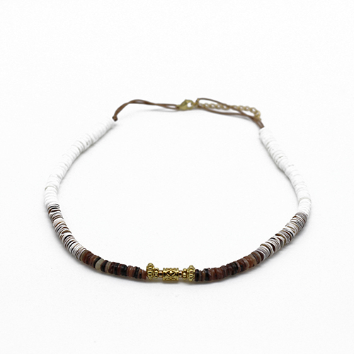 Collier coquillage sable