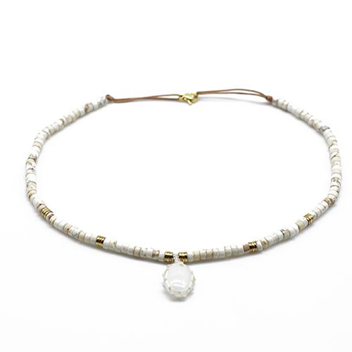 Collier rahan agate blanche
